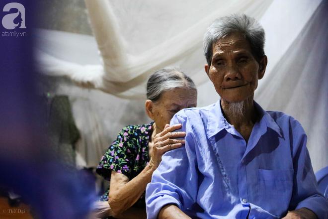 Cuộc sống thiếu ăn, thiếu mặc nhưng không thiếu tình cảm của ông điếc – bà mù - Ảnh 10.