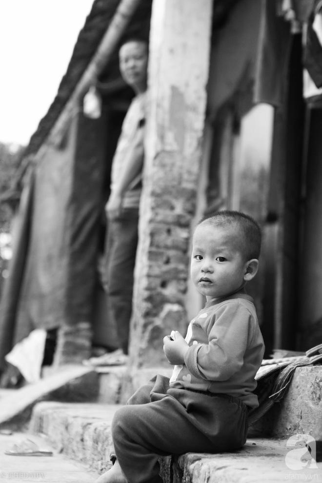 Vợ mất đột ngột khi đang mang bầu, anh Hách gà trống một mình chăm cả đàn 8 đứa con thơ - Ảnh 11.