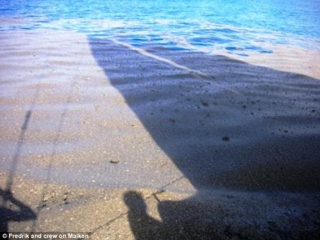 Thấy cát vàng nổi lềnh bềnh trên biển, các thủy thủ tới xem và không tin vào mắt mình - Ảnh 5.