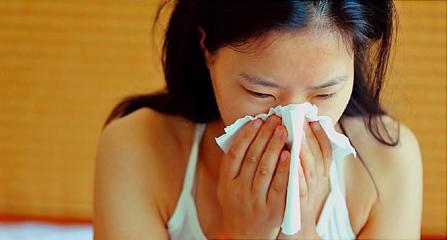 Màu sắc nước mũi tiết lộ tình trạng sức khỏe của bạn như thế nào - Ảnh 1.