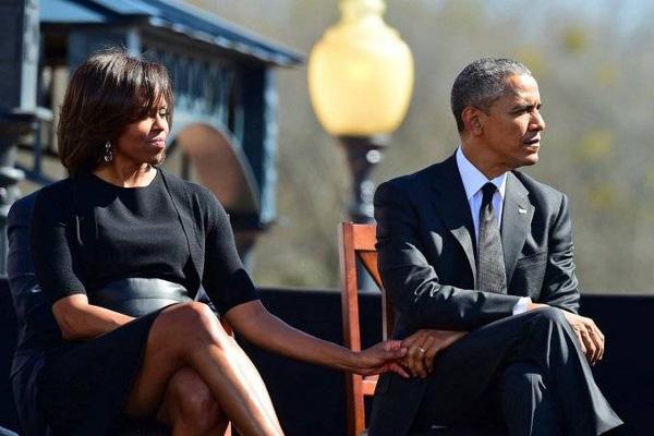 Cho đến tận lúc mãn nhiệm, Barack Obama vẫn khiến thế giới nghiêng mình bởi hành động quá tuyệt vời với vợ giữa công chúng - Ảnh 6.
