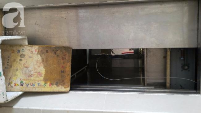 Vừa sống vừa run trong chung cư có thang máy hỏng bị rút ruột, sâu hun hút chờ nuốt người - Ảnh 7.