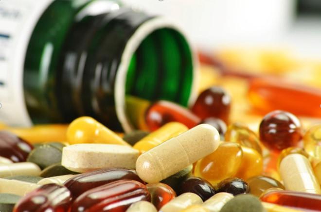 Chuyên gia tiết lộ sự thật về thực phẩm chức năng, vitamin tổng hợp khiến nhiều người ngã ngửa - Ảnh 2.
