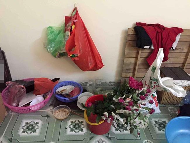 Khách trọ nữ ở bẩn nhất Vịnh Bắc Bộ: ra đi bỏ lại sau lưng nhà tắm mốc meo, đen kịt - Ảnh 9.