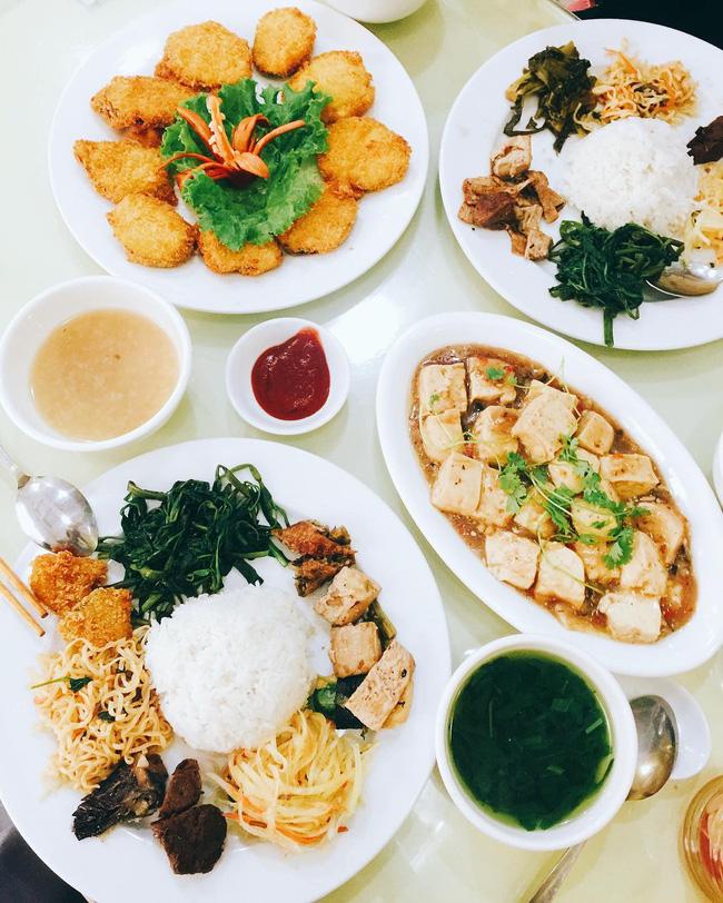 6 quán ăn ngon không chê vào đâu được trên phố Quán Thánh - Ảnh 12.