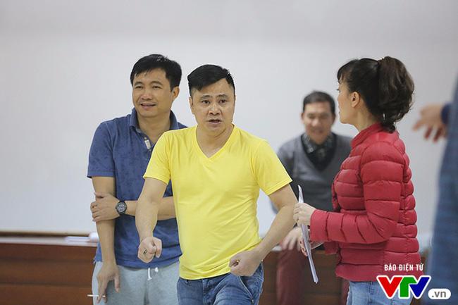 Táo quân 2017: Táo Tự Long bị kích động, gây náo loạn buổi tập - Ảnh 1.