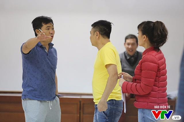 Táo quân 2017: Táo Tự Long bị kích động, gây náo loạn buổi tập - Ảnh 2.