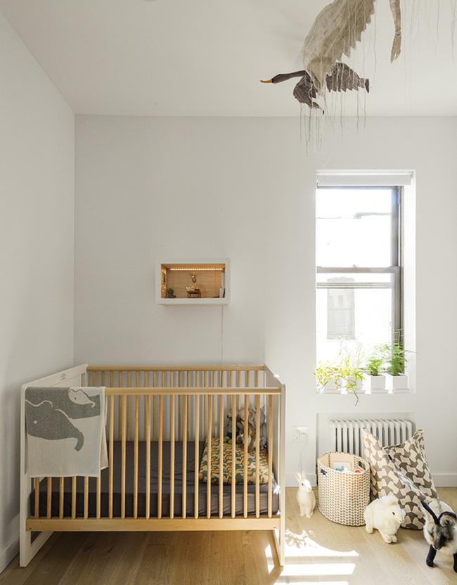 Căn hộ chỉ 63m² nhưng rộng thênh thang, cực gọn gàng của cặp vợ chồng có con nhỏ - Ảnh 11.