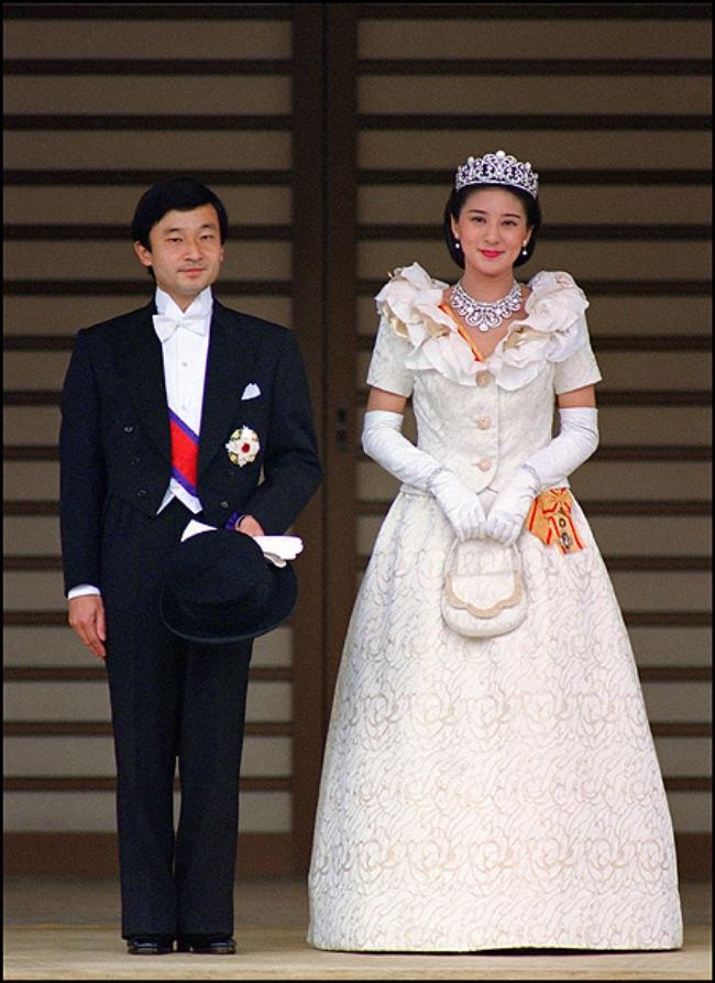 Mối sầu nhung lụa của những mỹ nhân lấy chồng sang quý - Ảnh 8.