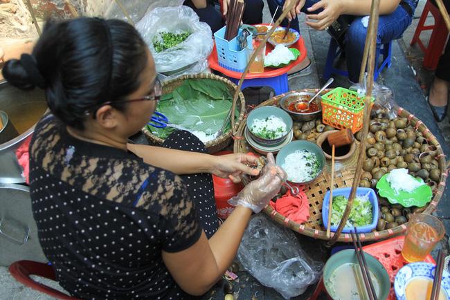 9 quán bún giá mềm cho bữa sáng ngon tuyệt ở Hà Nội - Ảnh 17.