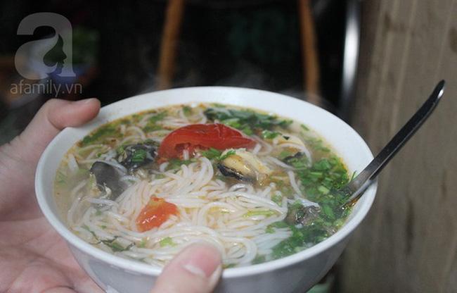 9 quán bún giá mềm cho bữa sáng ngon tuyệt ở Hà Nội - Ảnh 22.
