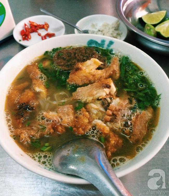 Đi từ Bắc đến Nam nếm 6 biến tấu bún cá, bánh đa cá ngon tê lưỡi - Ảnh 7.