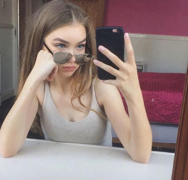 Hot girl nhà người ta: 15 tuổi cao 1m70, dáng chuẩn và mặt xinh như búp bê! - Ảnh 2.