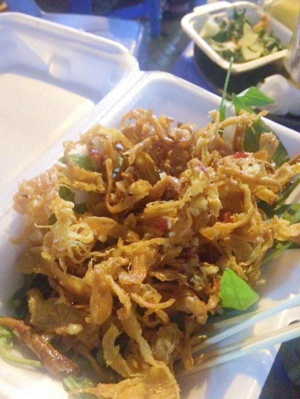 5 món ăn chơi từ mực thử một lần là nghiện ngay tắp lự ở Sài Gòn - Ảnh 2.