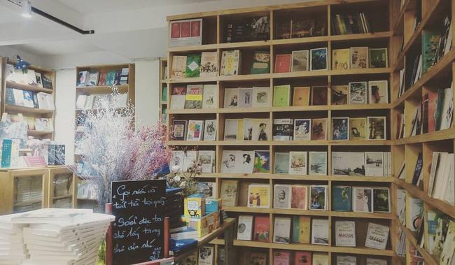 4 nhà sách đẹp mê ly, ở lì cả ngày không biết chán ở Sài Gòn - Ảnh 19.