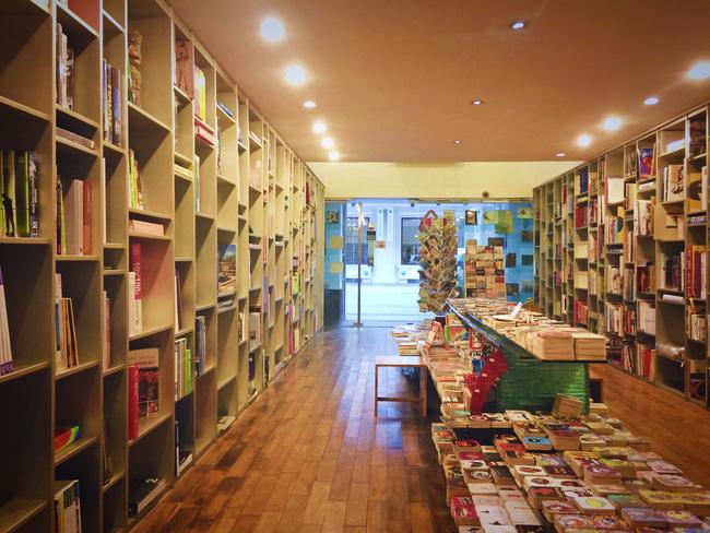 4 nhà sách đẹp mê ly, ở lì cả ngày không biết chán ở Sài Gòn - Ảnh 21.