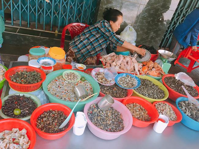 6 món ăn đường phố rẻ mà ngon nức tiếng của Nha Trang - Ảnh 3.