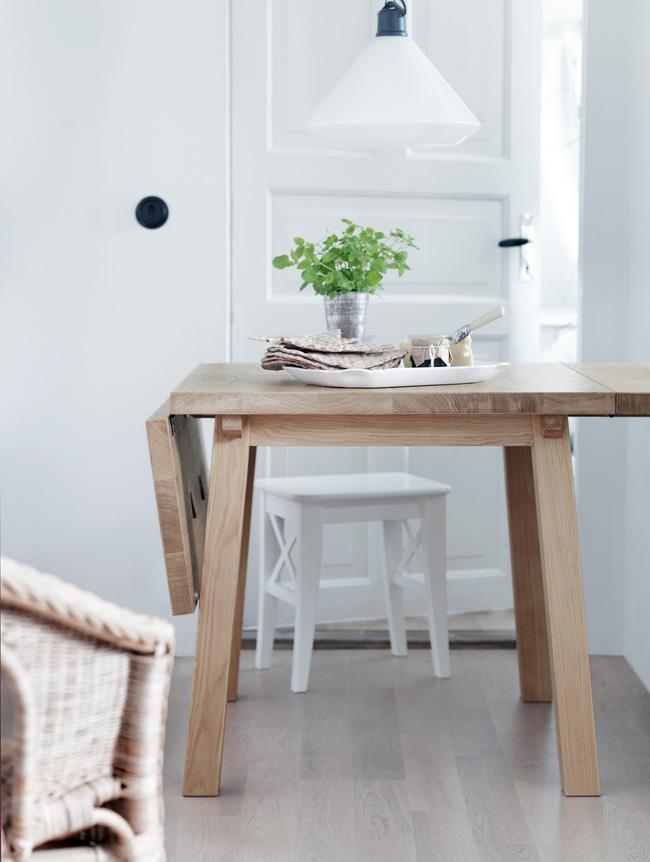 4 mẫu bàn ăn nhỏ nhưng có võ, cực dễ kiếm và dễ ứng dụng cho nhà chật - Ảnh 1.