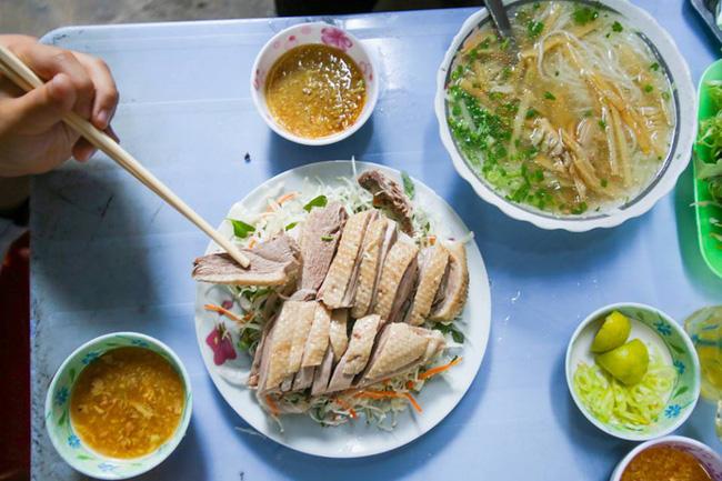 6 quán ăn bình dân chẳng cần quảng cáo nhưng lúc nào cũng tấp nập khách ở Sài Gòn - Ảnh 3.