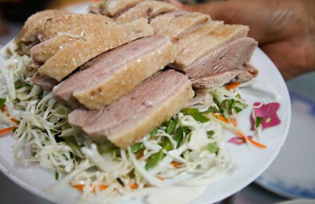 6 quán ăn bình dân chẳng cần quảng cáo nhưng lúc nào cũng tấp nập khách ở Sài Gòn - Ảnh 4.
