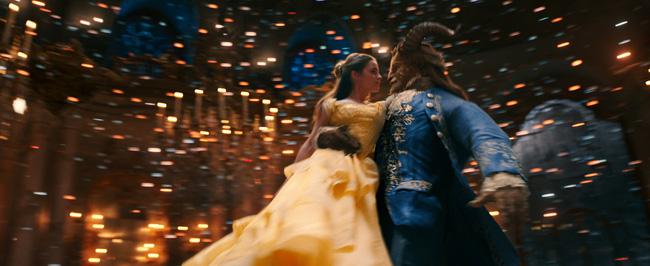 Người đẹp và Quái vật: Bộ phim đưa mọi cô gái trở lại với những giấc mơ cổ tích - Ảnh 4.