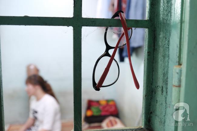 Cô gái 1 chân xinh đẹp: Em cố tiết kiệm tiền để đưa hai em bị mù sang nước ngoài chữa bệnh - Ảnh 12.