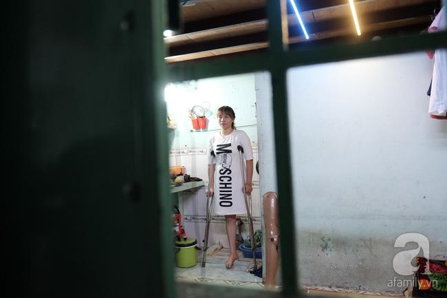 Cô gái 1 chân xinh đẹp: Em cố tiết kiệm tiền để đưa hai em bị mù sang nước ngoài chữa bệnh - Ảnh 8.