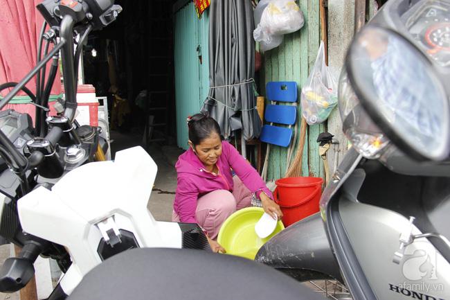 Kỳ lạ người đàn bà 7 năm sống trong ngôi nhà một mét vuông giữa trung tâm Sài Gòn - Ảnh 13.