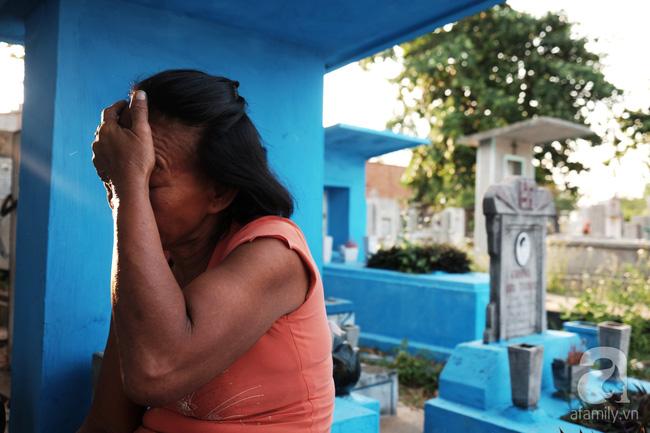 """Người đàn bà bất hạnh """"sinh bảy chết năm"""", sống ở nghĩa trang 21 năm trời ngay giữa Sài Gòn 5"""