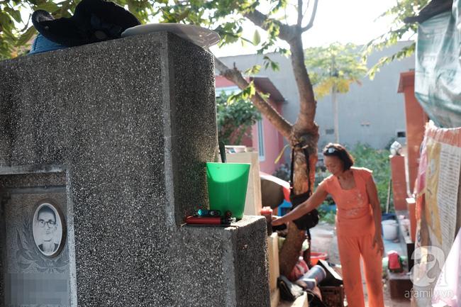 """Người đàn bà bất hạnh """"sinh bảy chết năm"""", sống ở nghĩa trang 21 năm trời ngay giữa Sài Gòn 13"""