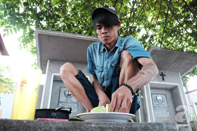 """Người đàn bà bất hạnh """"sinh bảy chết năm"""", sống ở nghĩa trang 21 năm trời ngay giữa Sài Gòn 8"""