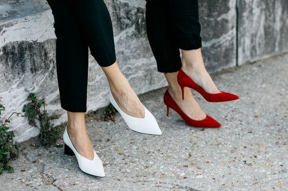 Đâu cần phải quá cầu kỳ hay sang chảnh, giày V-line đơn giản lại là thiết kế khiến nàng công sở không thể làm ngơ - Ảnh 8.