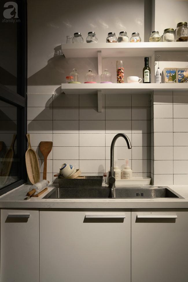 Ngôi nhà 27m² ở Hà Nội: Từ chiếc hộp đóng kín thành tổ ấm thoáng, xanh, đầy cảm hứng của vợ chồng trẻ - Ảnh 11.