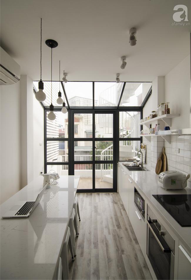 Ngôi nhà 27m² ở Hà Nội: Từ chiếc hộp đóng kín thành tổ ấm thoáng, xanh, đầy cảm hứng của vợ chồng trẻ - Ảnh 9.