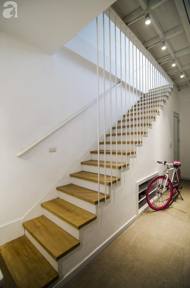 Ngôi nhà 27m² ở Hà Nội: Từ chiếc hộp đóng kín thành tổ ấm thoáng, xanh, đầy cảm hứng của vợ chồng trẻ - Ảnh 4.