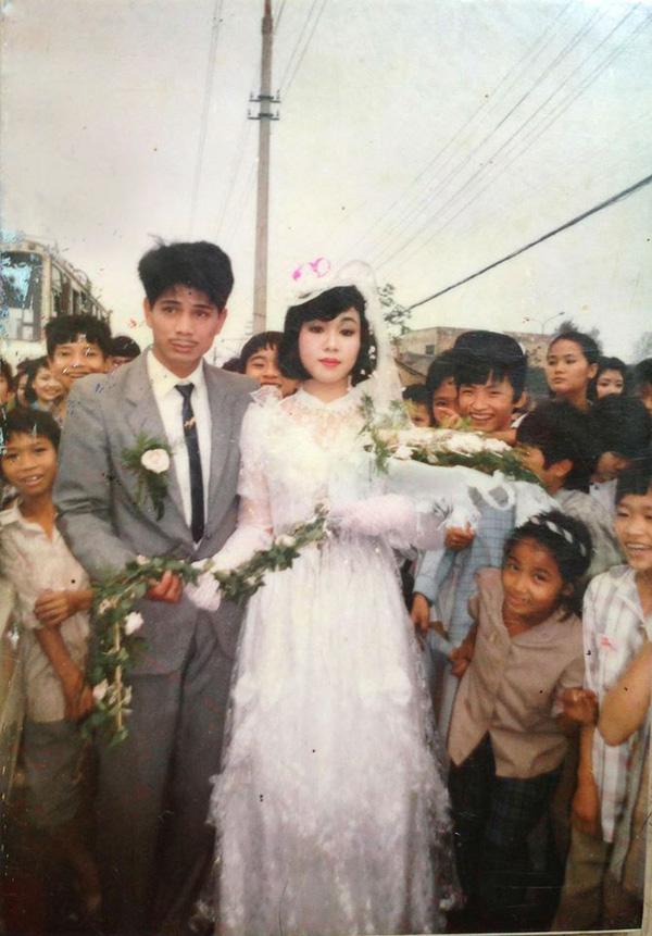 Nhìn lại ảnh cưới của phụ huynh thời ông bà anh: hóa ra bố mẹ ta từng có một thời thanh xuân như thế - Ảnh 15.