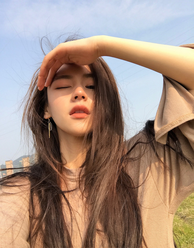 Cô bạn Trung Quốc dáng đẹp, mặt xinh đến mức con gái cũng ưng muốn xỉu! - Ảnh 2.