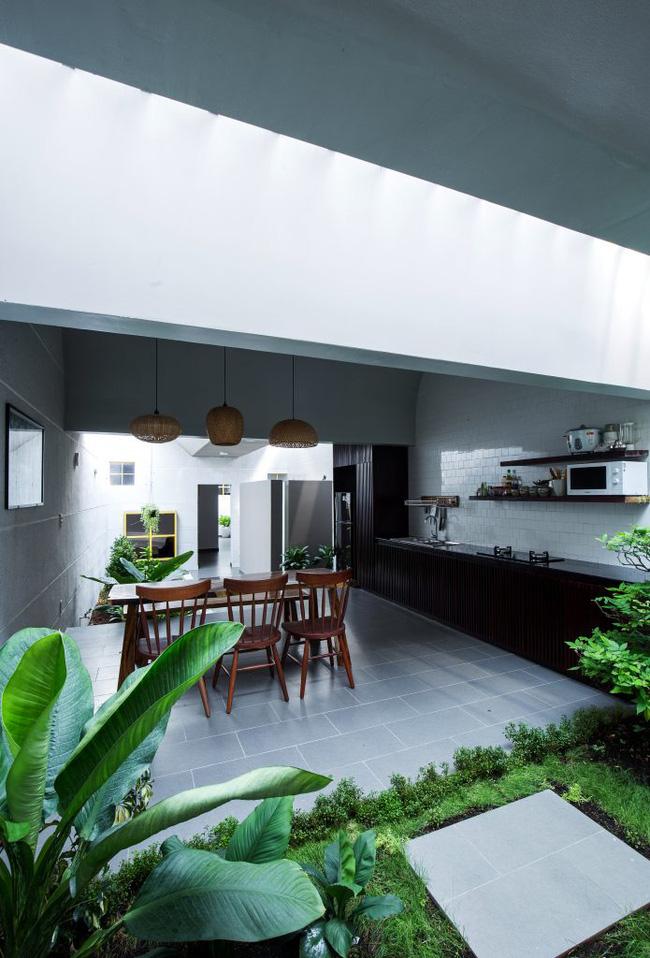 Ngôi nhà 200m² lấy cảm hứng thiết kế từ hang Sơn Đoòng ở Vĩnh Long nổi bật trên báo Mỹ - Ảnh 6.