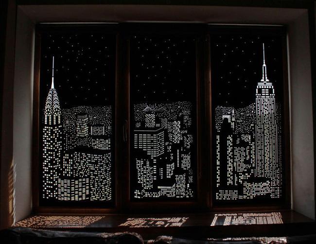 Rèm cửa đục lỗ - món phụ kiện cho bạn cảm giác như sống ở penthouse   - Ảnh 1.