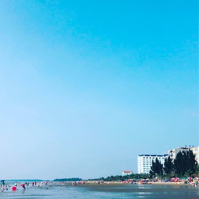 5 bãi biển vừa không cần bon chen đông đúc, vừa thoải mái đi về trong 2 ngày cuối tuần gần Hà Nội - Ảnh 7.