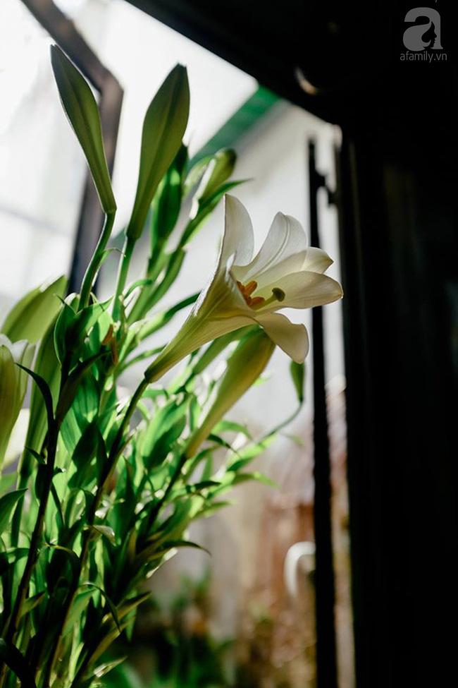 Giữa Sài Gòn xô bồ, vẫn có một nơi bạn có thể tĩnh tâm với đồ ăn thức uống đơm hoa - Ảnh 11.