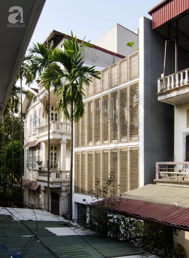 Cuộc gặp gỡ giữa truyền thống và hiện đại trong ngôi nhà 60m² ở quận Tây Hồ, Hà Nội - Ảnh 3.