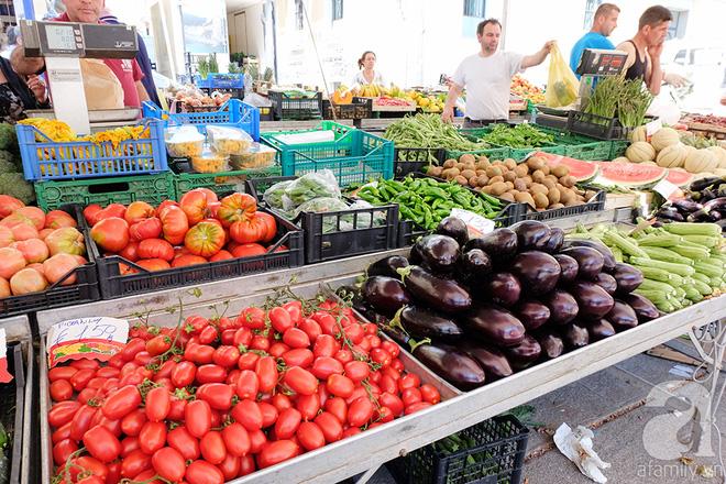 Trải nghiệm của cô gái Việt trên đất Ý: đi chợ nông dân mua rau quả, được khuyến mại niềm vui - Ảnh 5.