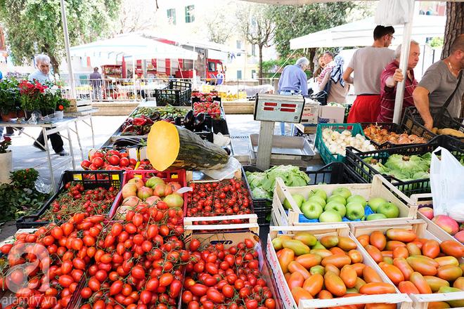Trải nghiệm của cô gái Việt trên đất Ý: đi chợ nông dân mua rau quả, được khuyến mại niềm vui - Ảnh 17.
