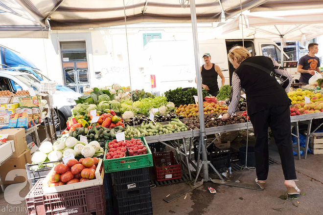 Trải nghiệm của cô gái Việt trên đất Ý: đi chợ nông dân mua rau quả, được khuyến mại niềm vui - Ảnh 18.