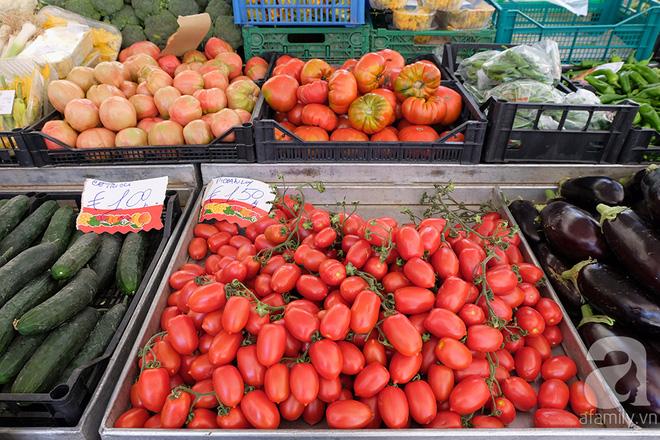 Trải nghiệm của cô gái Việt trên đất Ý: đi chợ nông dân mua rau quả, được khuyến mại niềm vui - Ảnh 19.