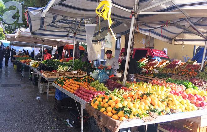 Trải nghiệm của cô gái Việt trên đất Ý: đi chợ nông dân mua rau quả, được khuyến mại niềm vui - Ảnh 11.