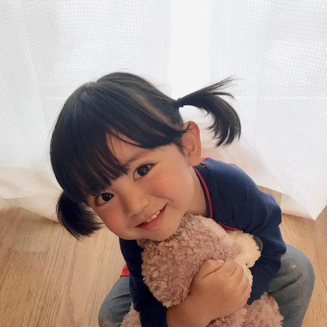 Nhóc tì Nhật Bản siêu cấp đáng yêu, mới 2 tuổi đã có 80k lượt theo dõi - Ảnh 1.