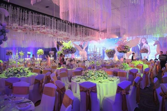 Choáng trước đám cưới xa hoa cả chục tỷ đồng của người đẹp Hoa hậu Hoàn vũ 2015 và đại gia mía đường - Ảnh 14.