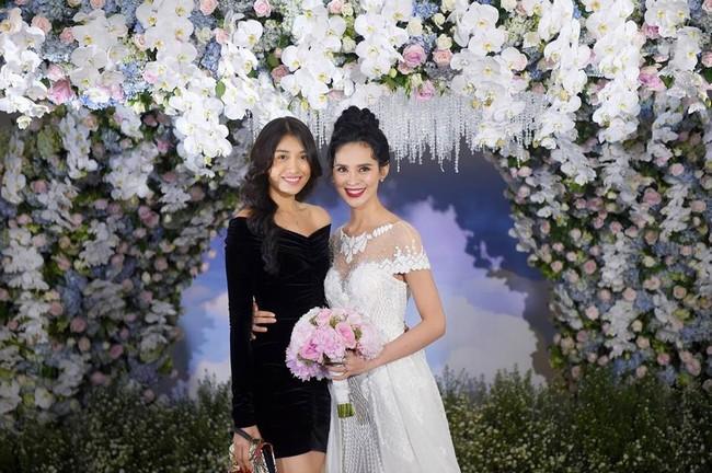 Choáng trước đám cưới xa hoa cả chục tỷ đồng của người đẹp Hoa hậu Hoàn vũ 2015 và đại gia mía đường - Ảnh 10.
